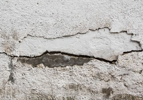Stucco Cracks on Home in Need of Repair